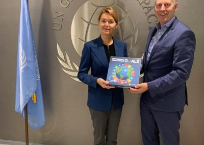 Chairman GCNL presenting the SDG Game to Lise Kingo, Executive Director and CEO of UN Global Compact